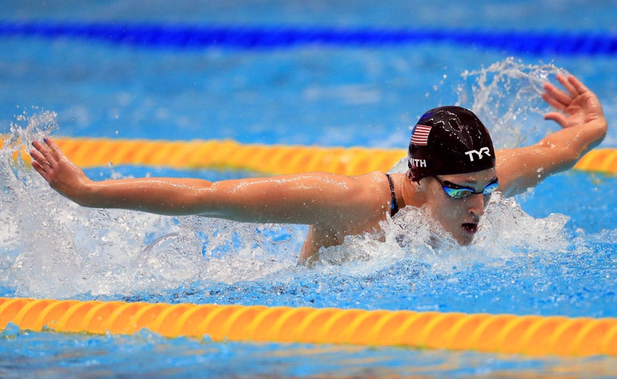 Leah Smith competes in the 400 IM at the 2017 Phillips 66 National Championships