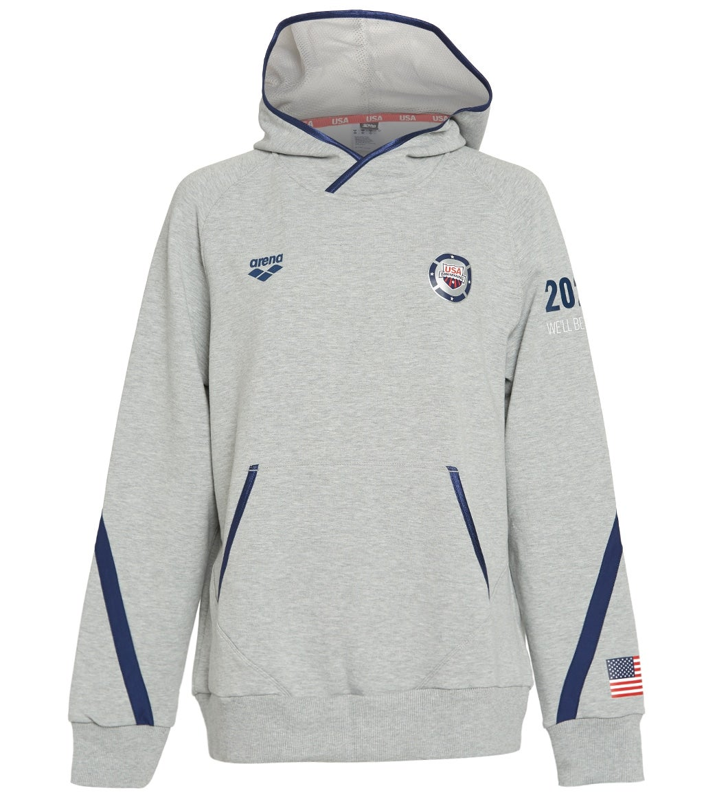 Stay warm and stay proud in the Arena USA Swimming Unisex 2021 We'll Be Ready National Team Hoodie.  This officially licensed USA Swimming hoodie features a brushed stretch baby fleece fabric, mesh-lined hood, and relaxed fit.  |https://www.swimoutlet.com/p/arena-usa-swimming-unisex-2021-well-be-ready-national-team-hoodie-8197350/?color=64815|0|stt5