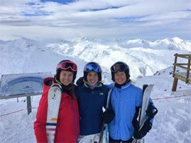 Andie Taylor Skiiing with friends