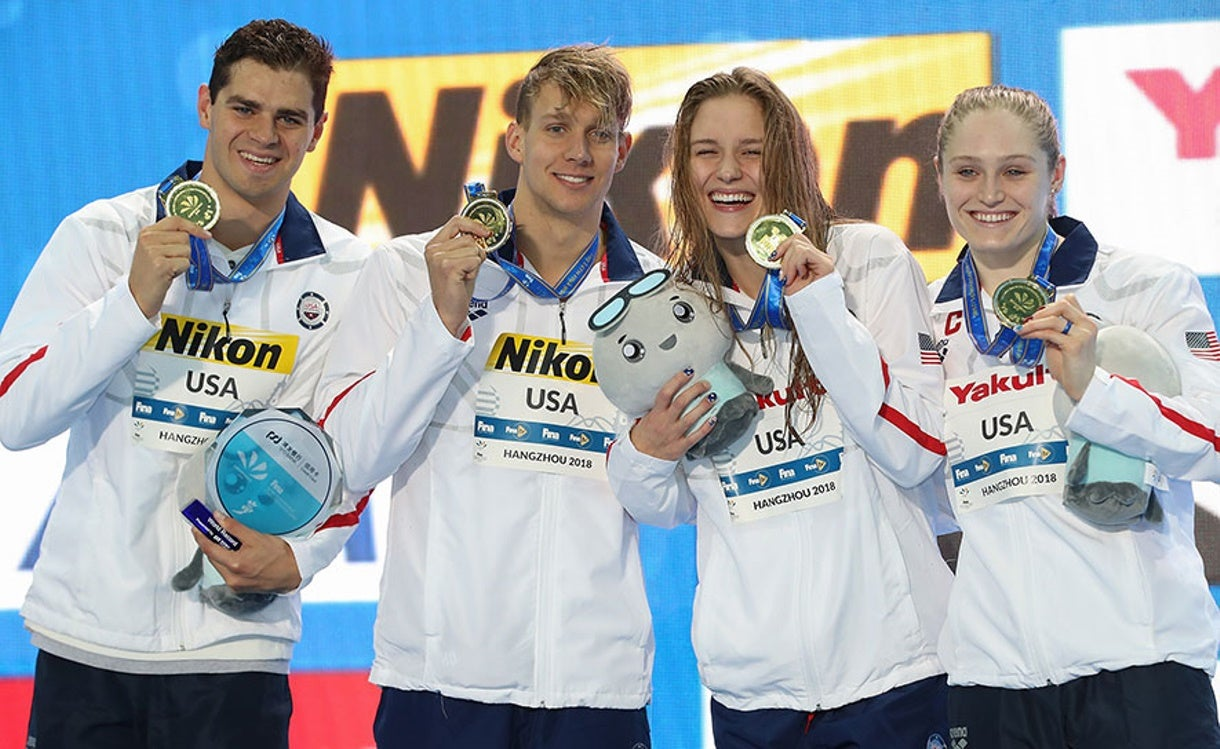 Americans Race to Six Medals, Two Gold at FINA World Championships (25m)