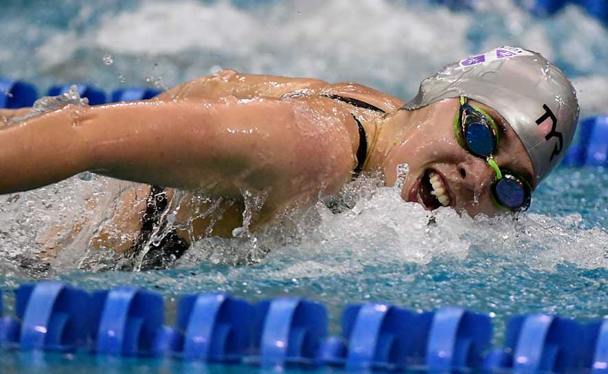 Hannah Saiz swims the 200 fly at the 2016 Arena Pro Swim Series at Atlanta.