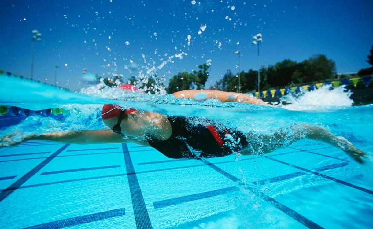 10 Reasons to Love/Hate Outdoor Swimming